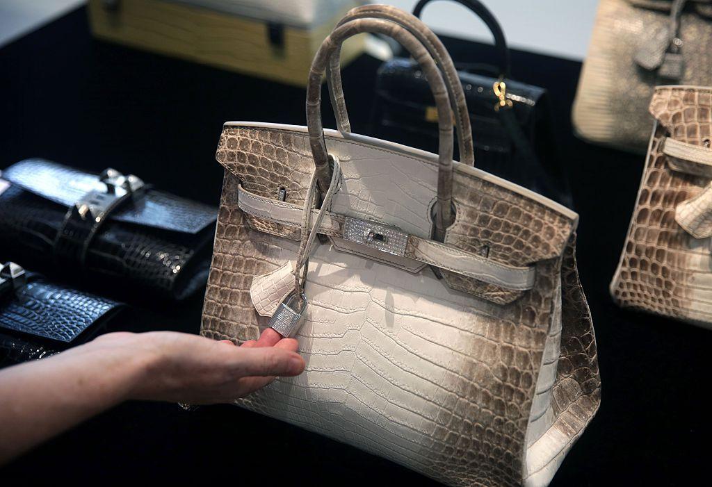 c3e422e6863e Hermès Birkin handbag sells for £162