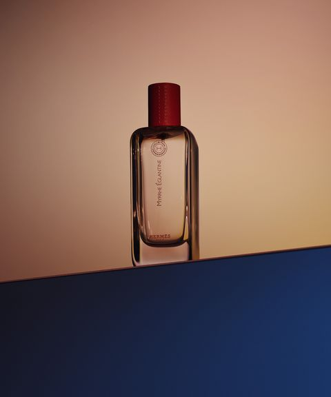 Glass bottle, Product, Bottle, Liquid, Perfume, Beauty, Water, Still life photography, Fluid, Solution,