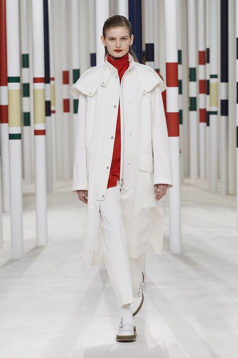 Fashion, White, Clothing, Runway, Fashion show, Uniform, Haute couture, Fashion model, Outerwear, Formal wear,