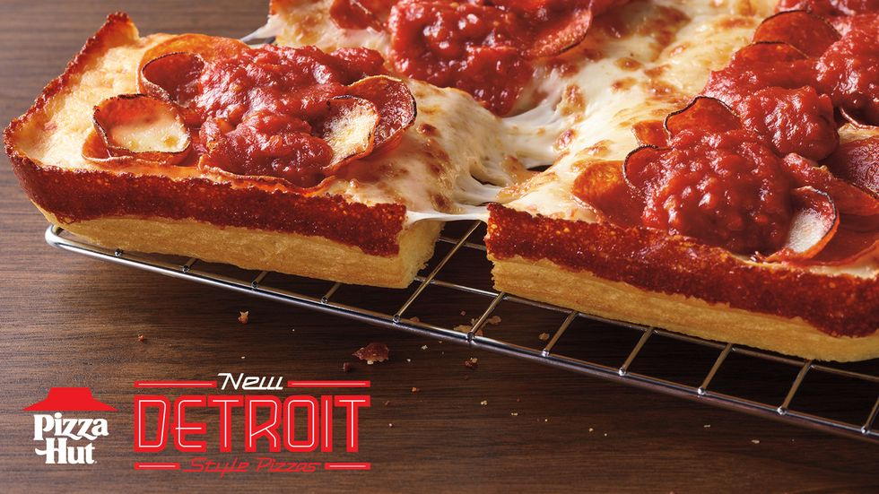 Pizza Hut Is Selling Detroit-Style Pizza Nationwide And It's A Perfect Excuse To Give It A Try