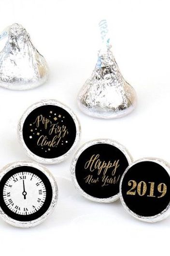 DIY Decorations for New Year's Eve Hershey Kiss Sticker