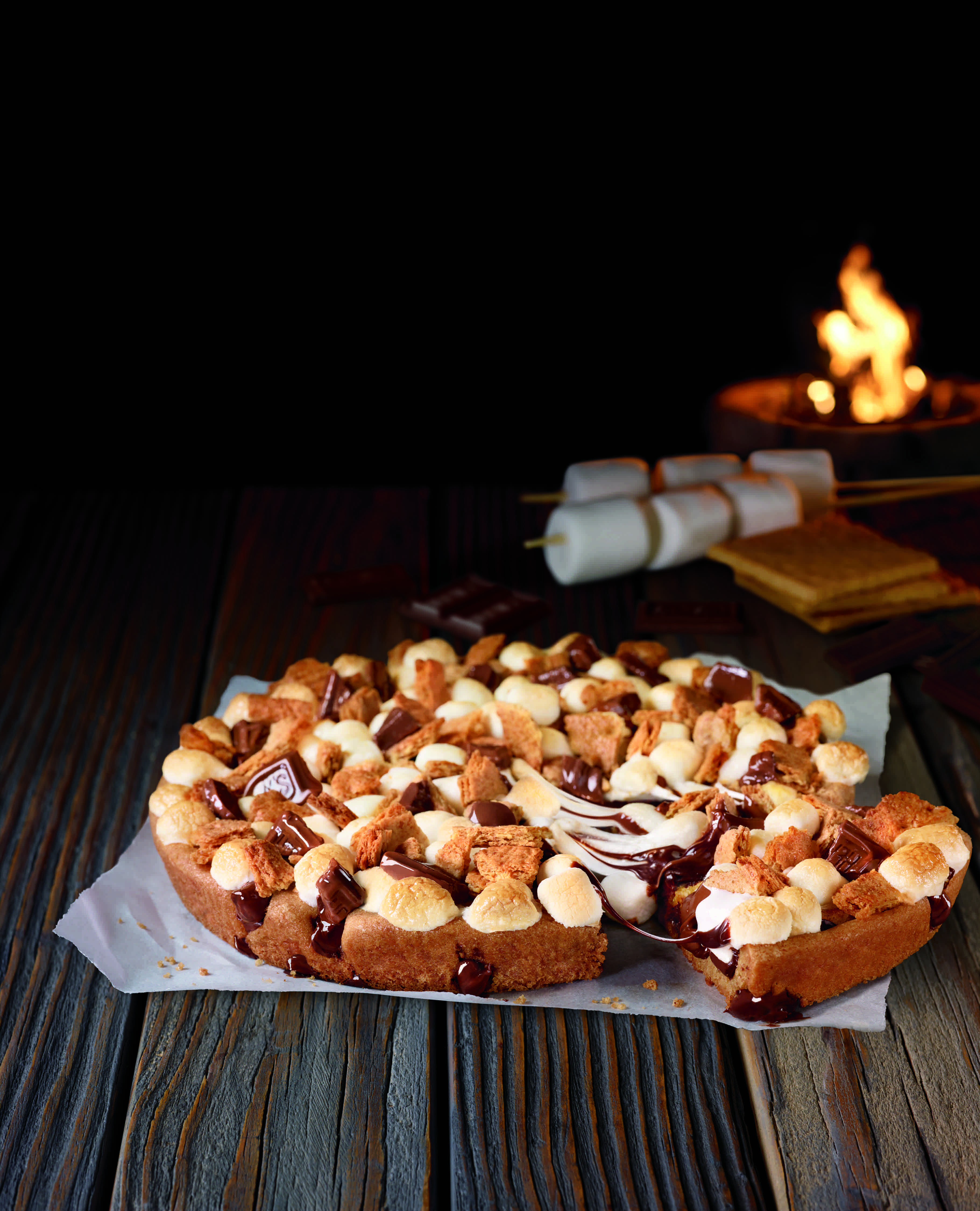 Pizza Hut Apple Pie >> Pizza Hut S S Mores Pizza Is Back For Summer