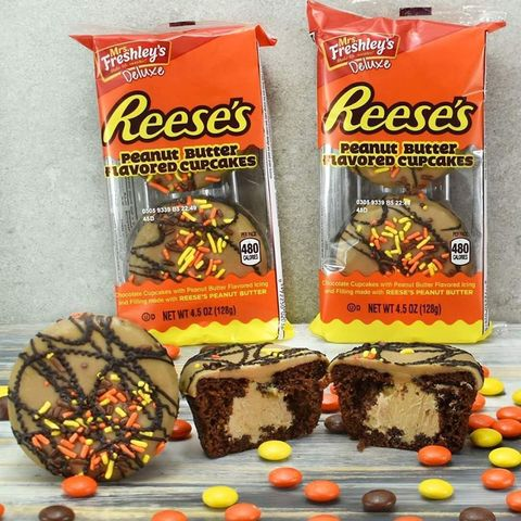 Food, Snack, Cuisine, Candy corn, Confectionery, Trail mix, Chocolate, Junk food, Ingredient, Vegetarian food,