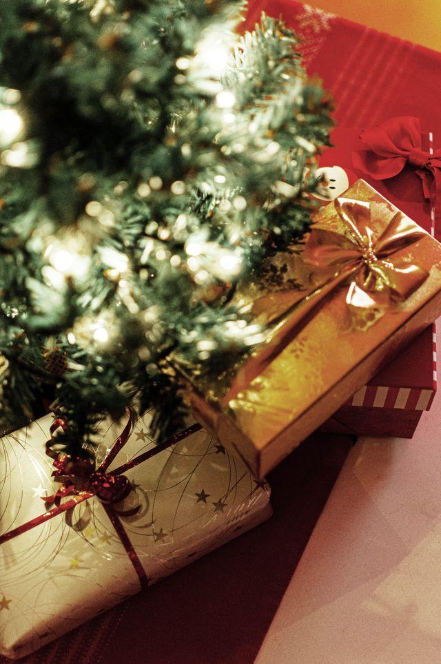 Albero Di Natale Con Regali.A Cs If8ymtbom