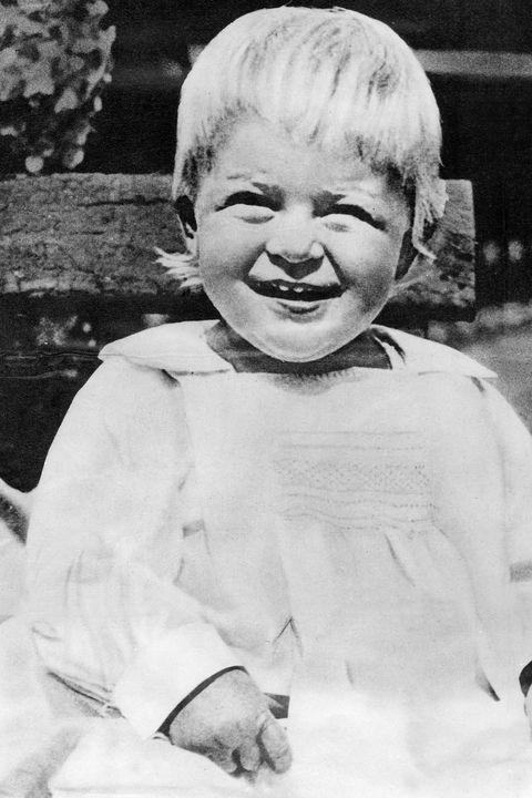 Prinz Philip von England im Alter von 3 Jahren