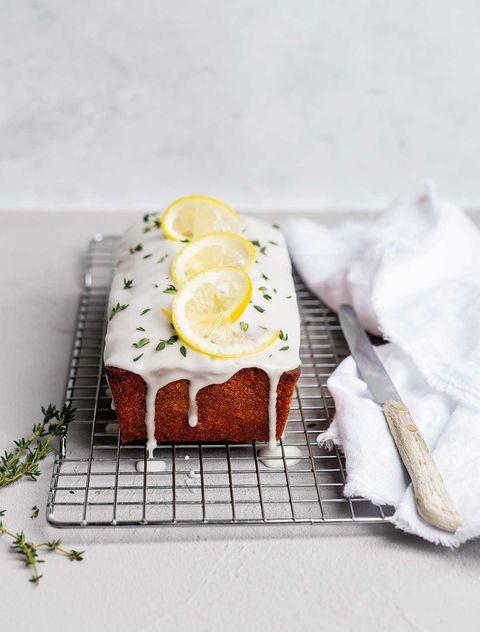 olijfoliecake met tijm en citroen uit rutger bakt de 100 allerbeste recepten