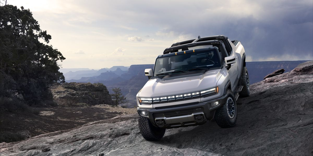 Check Out the 2022 GMC Hummer EV's Tech Heavy Whirring Bits