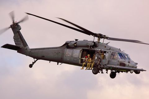 Helicopter, Vehicle, Helicopter rotor, Rotorcraft, Aircraft, Aviation, Military helicopter, Air force, Black hawk, Flight,