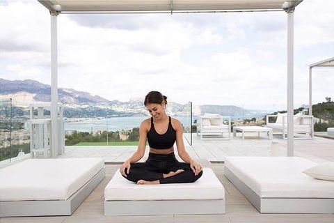 Bed, Mattress, Furniture, Sitting, Shoulder, Room, Interior design, studio couch, Vacation, Architecture,