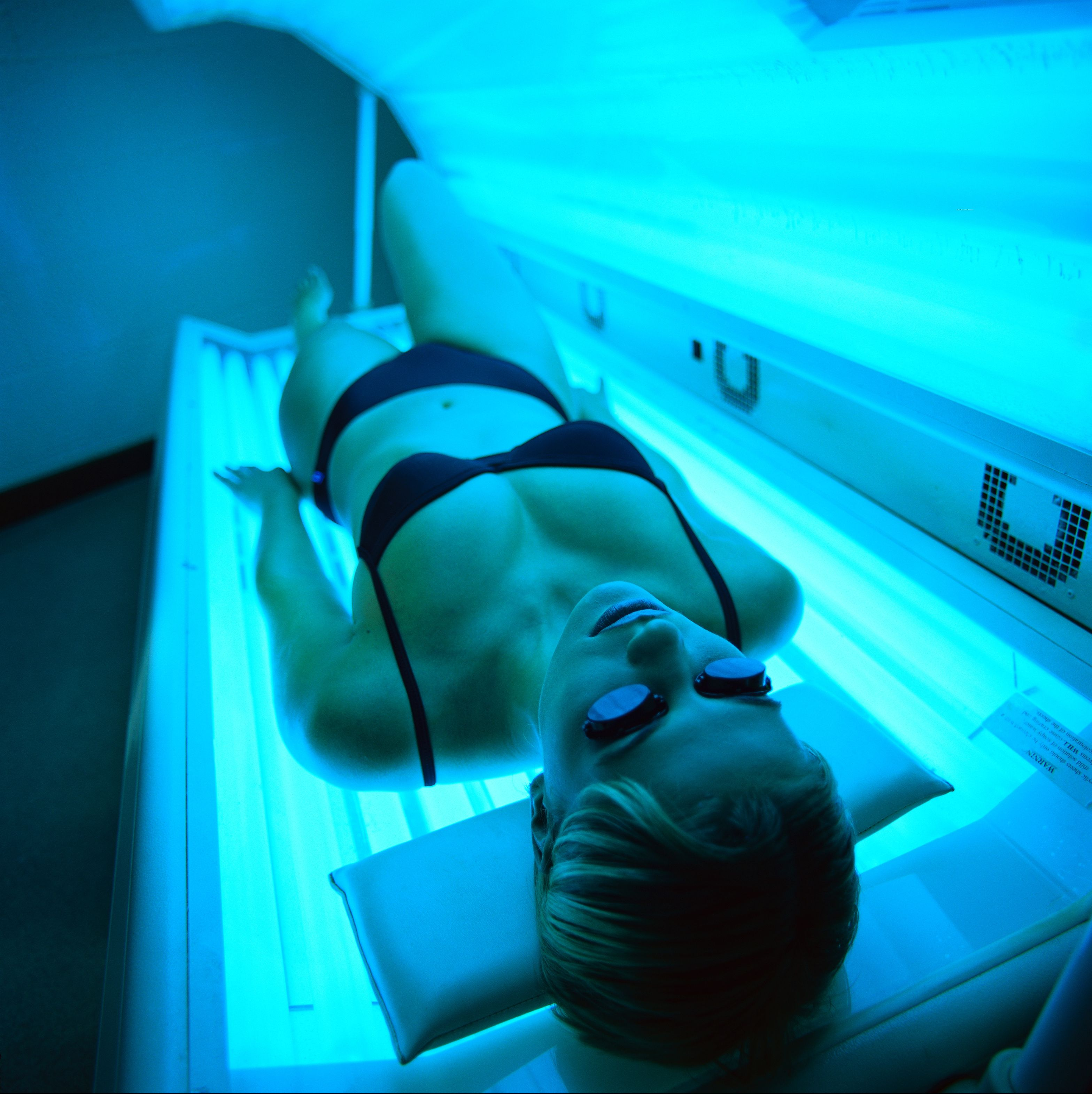 This Woman's Disturbing Skin Cancer Selfie Highlights Dangers of Tanning Beds