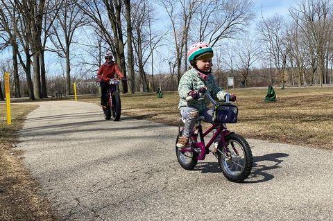andar en bicicleta con niños
