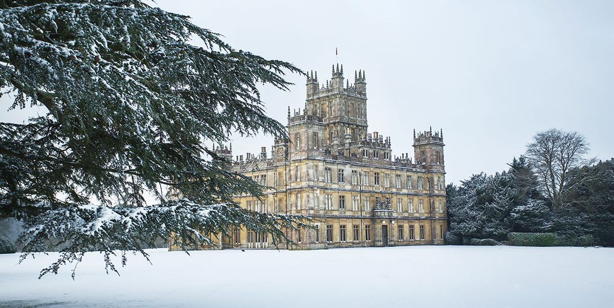 Downton Abbey's Highclere Castle is throwing a Christmas ...