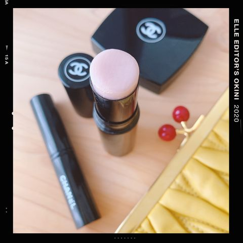 Beauty, Pink, Cosmetics, Lipstick, Material property, Beige, Lip gloss, Eye liner, Gloss,
