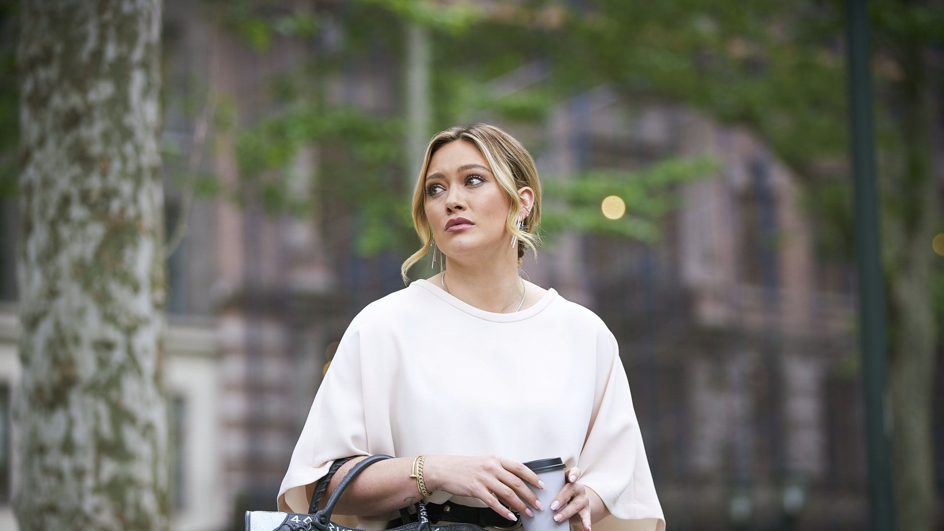 """Younger star Hilary Duff says season 6 finale was """"so f**ked up"""""""