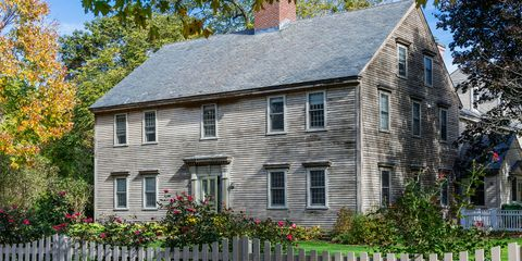 What Is A Colonial House Facts About American Colonial Style Homes
