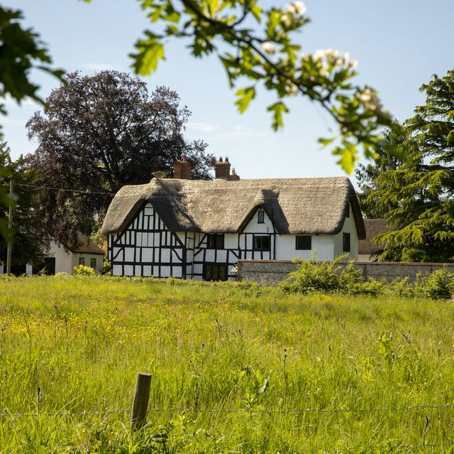 historic thatched cottage for sale in wiltshire