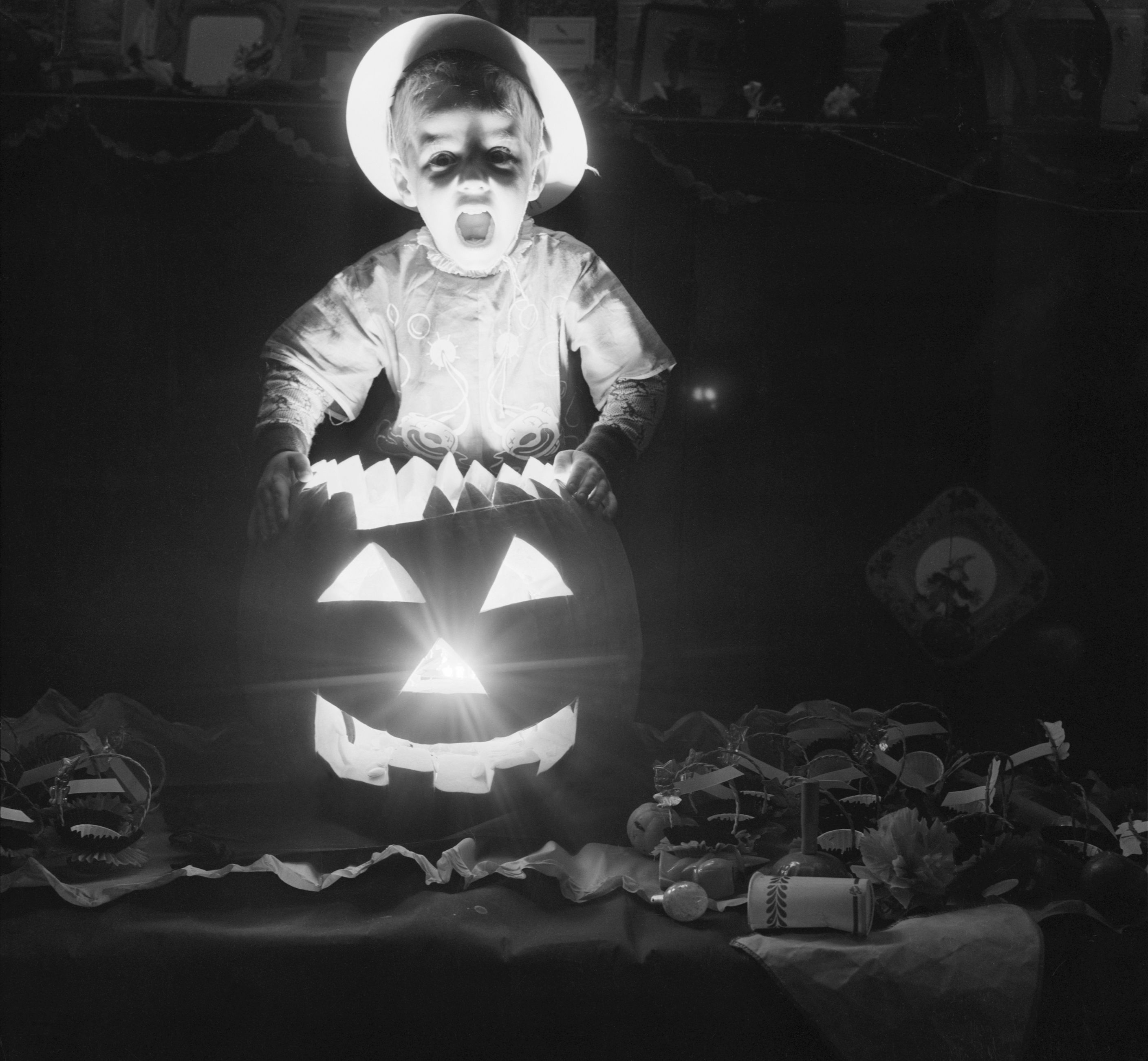 Halloween Party Traditions.History Of Halloween Halloween Meaning And Origin
