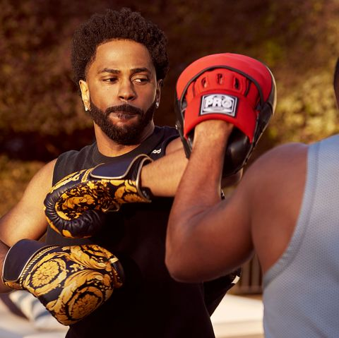 Boxing glove, Professional boxer, Boxing, Striking combat sports, Contact sport, Professional boxing, Boxing equipment, Individual sports, Sports, Combat sport,