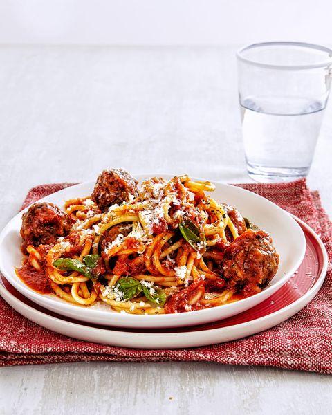 Dish, Food, Cuisine, Ingredient, Italian food, Meat, Bolognese sauce, Amatriciana sauce, Spaghetti, Cacciatore,