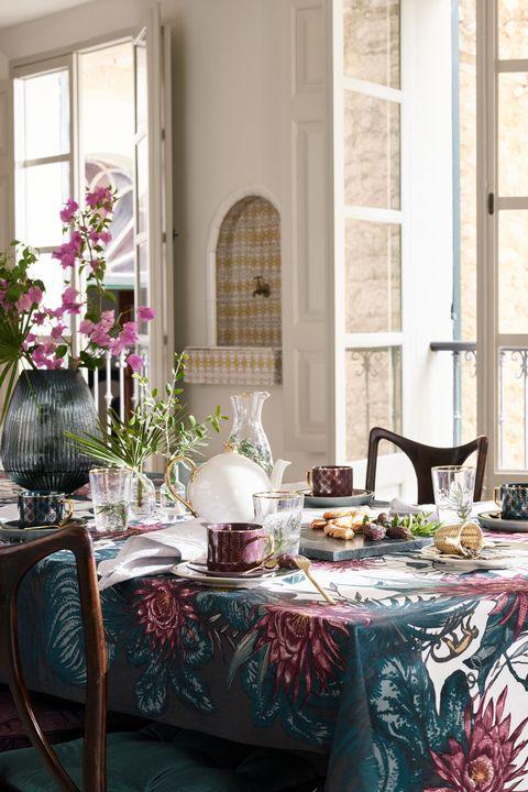 La colección rincón en el Paraíso de H&M apuesta por una decoración ecléctica que aporta toques de lujo a tu casa