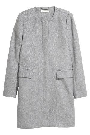 Clothing, Outerwear, Sleeve, Coat, Grey, Overcoat, Pocket, Jacket, Collar, Top,