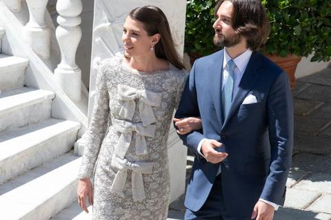 摩納哥夏洛特公主結婚身穿saint laurent蝴蝶結洋裝