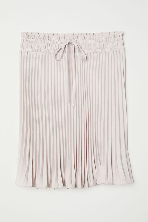 White, Clothing, Beige, Blouse, Shorts, Trousers, Waist,