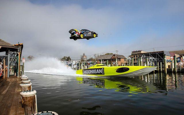 Watercraft, Transport, Water, Boat, Hydroplane racing, Water sport, Boating, Lake, Speedboat, Powerboating,