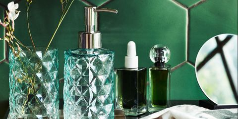 Green, Room, Turquoise, Leaf, Organism, Table, Still life photography, Plant, Glass, Interior design,