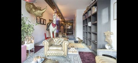 Living room, Room, Property, Interior design, Furniture, Building, Home, Real estate, House, Ceiling,