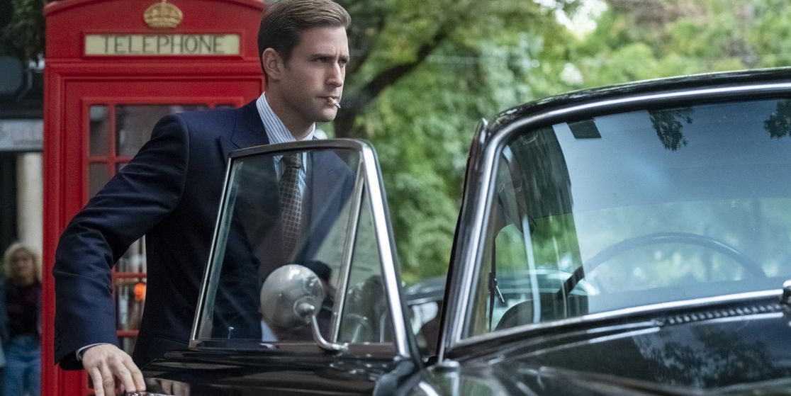 Oliver Jackson-Cohen on Building His Own 'Bly Manor' Villain and Those 'Hill House' Comparisons