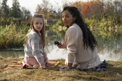 the haunting of bly manor l to r amelie smith as flora and tahirah sharif as rebecca jessel in the haunting of bly manor cr eike schroternetflix © 2020