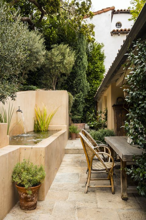 hoffman and ospina west hollywood garden dining area
