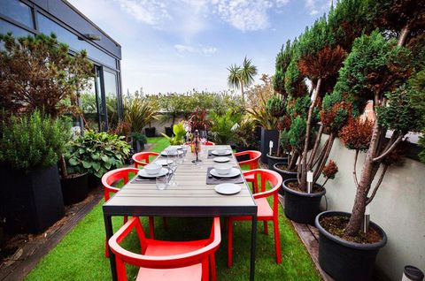 Holiday apartments with rooftops in London