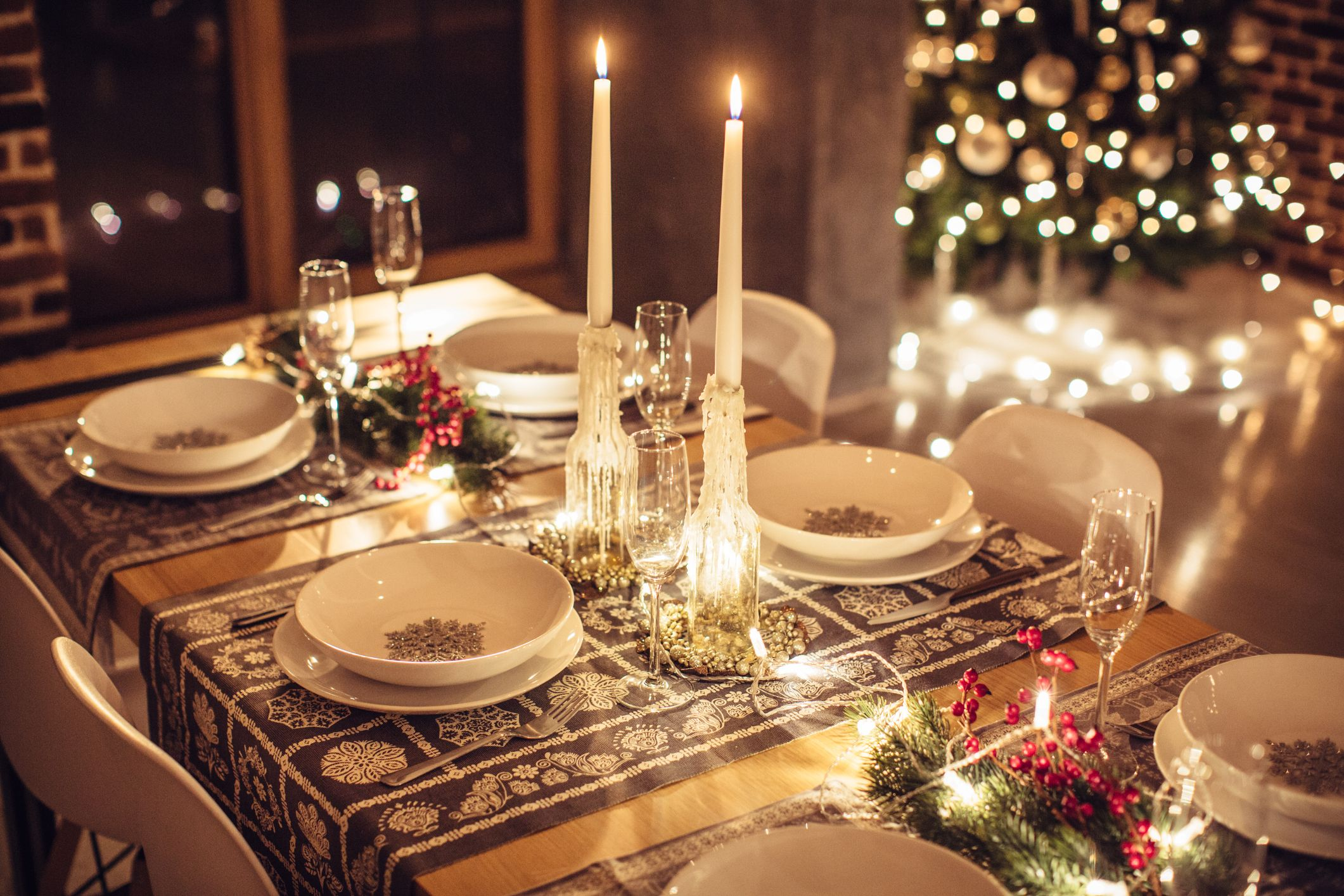 15+ Candle Holders for a Memorable Christmas Dinner Table