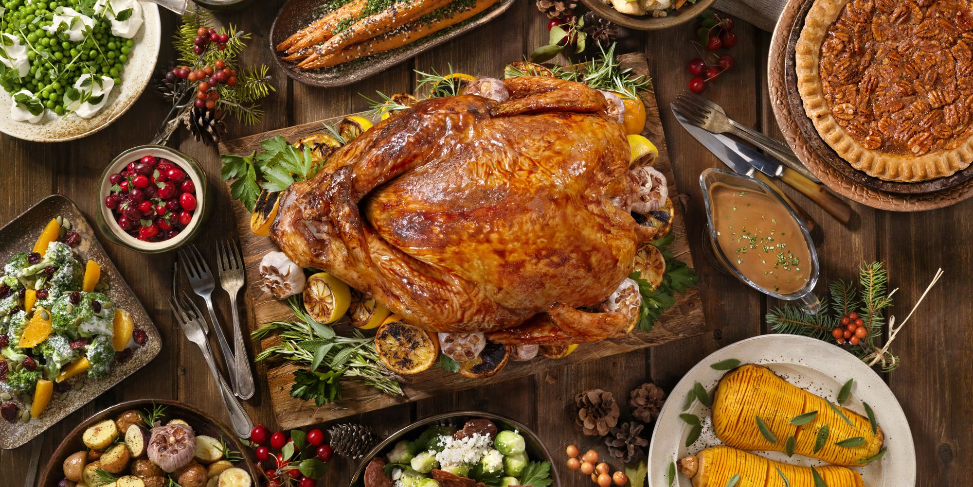 11 Thanksgiving Traditions We'd Like To Bring Back