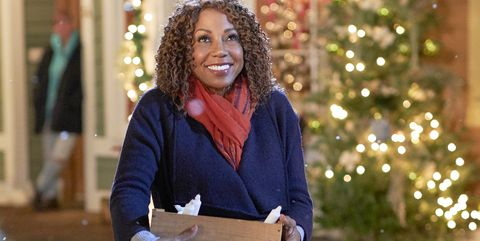 Christmas In Evergreen Hallmark.Who Is Holly Robinson Peete Meet The Star Of Hallmark S New