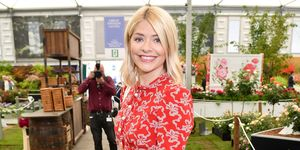 holly willoughby confirmed as ant mcpartlin's replacement on i'm a celeb