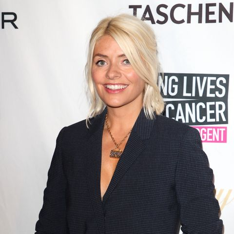 Holly Willoughby bakes with daughter Belle in rare photo