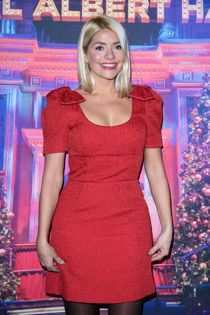 Holly Willoughby stuns in sequin gown for Dancing on Ice return