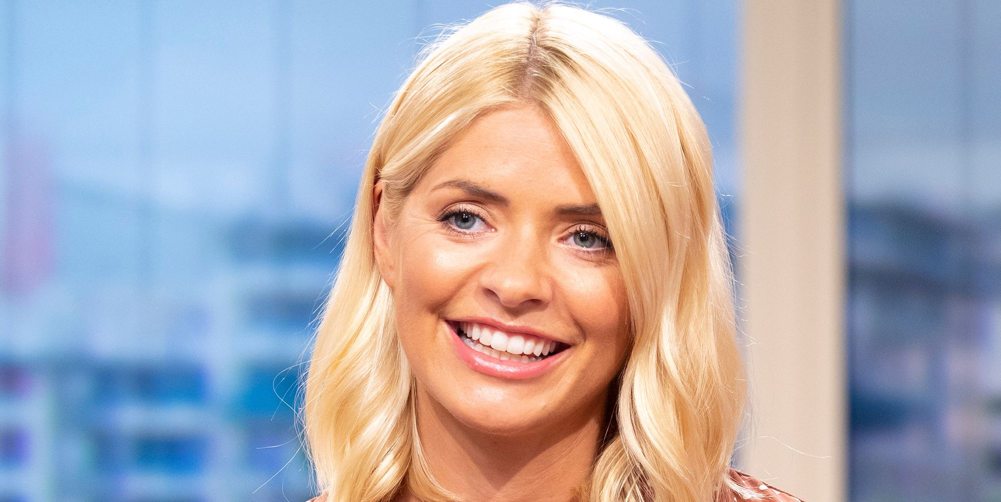 Holly Willoughby make-up
