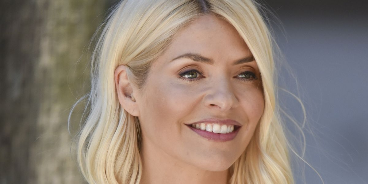 Holly Willoughby's white summer dress is so fresh and perfect for the hot weather