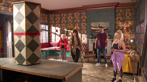 the mcqueens get a delivery in hollyoaks