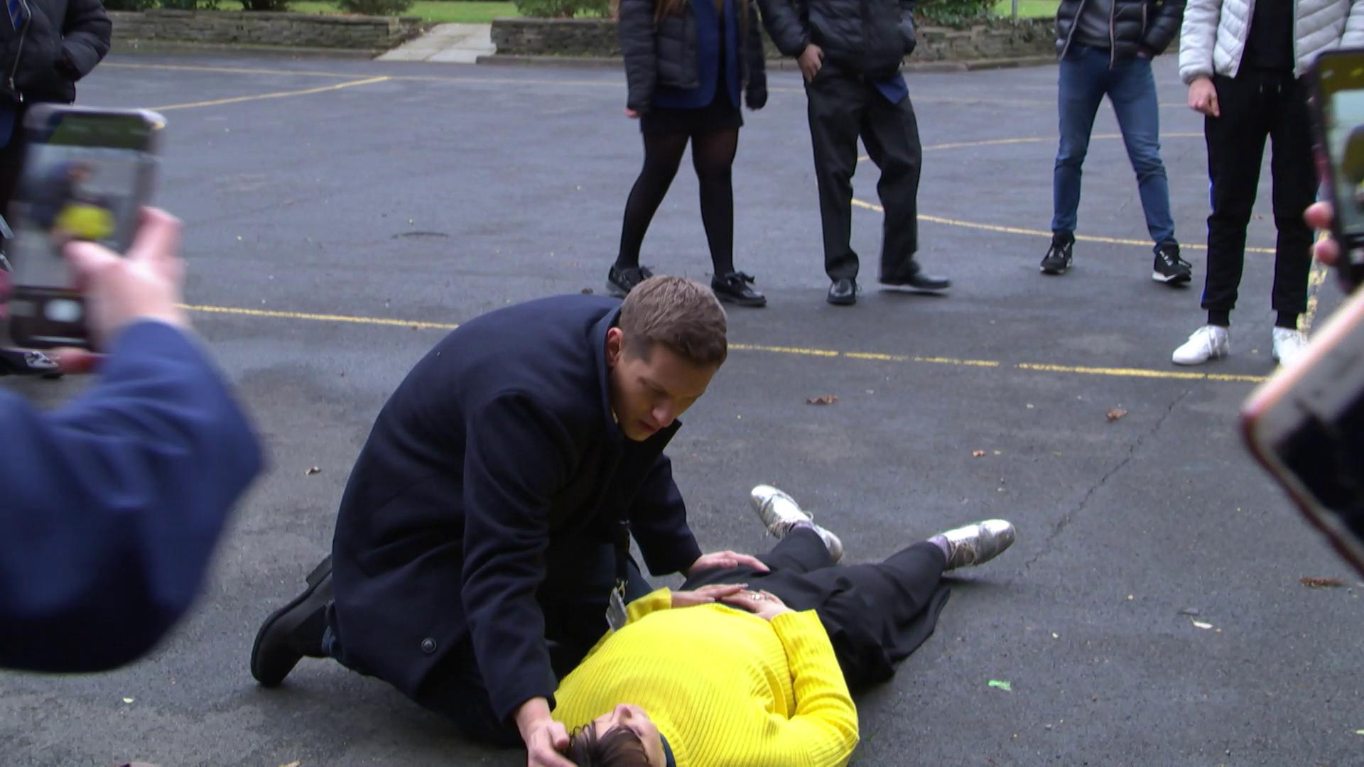 Hollyoaks' Nancy Osborne faces stabbing horror in 11 new spoiler pictures