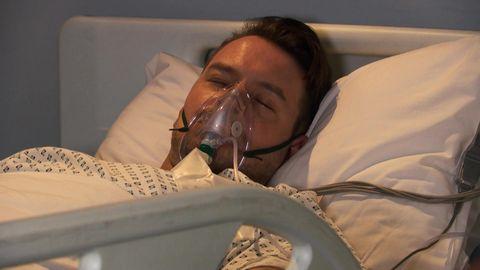 darren osborne in hospital in hollyoaks