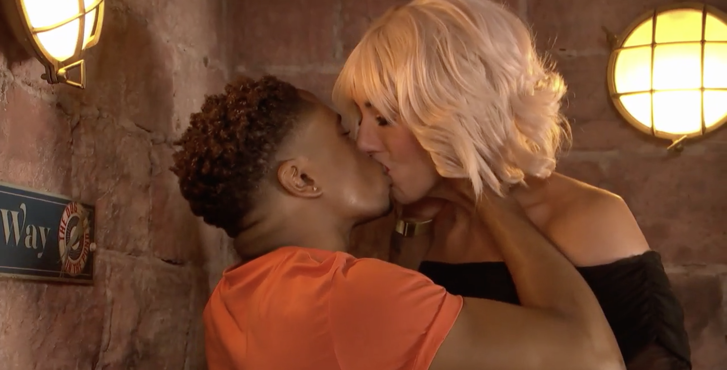 Hollyoaks continues Mitchell Deveraux sexuality storyline as he kisses Scott Drinkwell