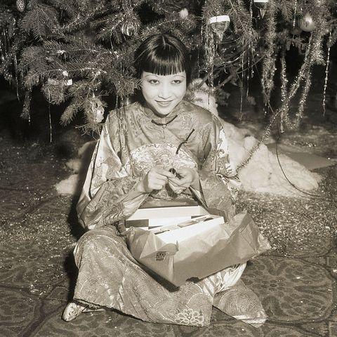 actress anna may wong under christmas tree