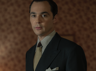 jim parsons as henry willson in netflix's hollywood