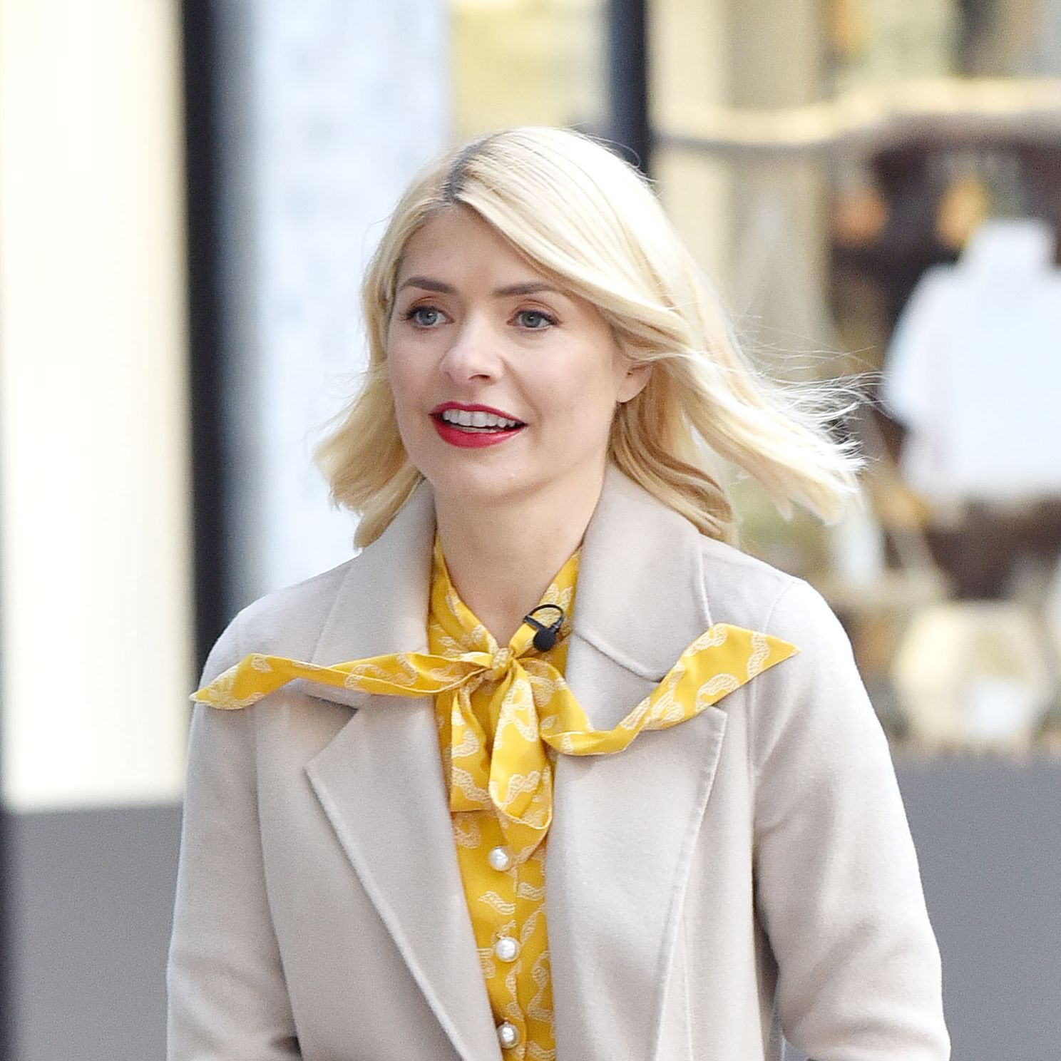 Holly Willoughby's chic Mango midi skirt is now on sale