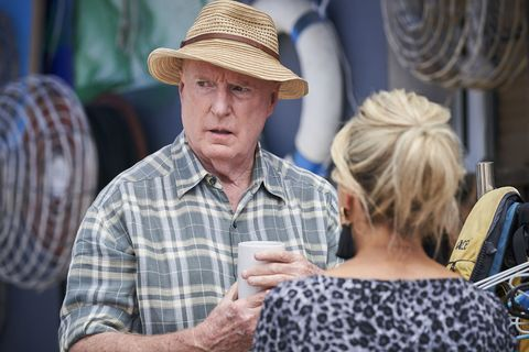 Alf Stewart and Marilyn Chambers talk in Home and Away